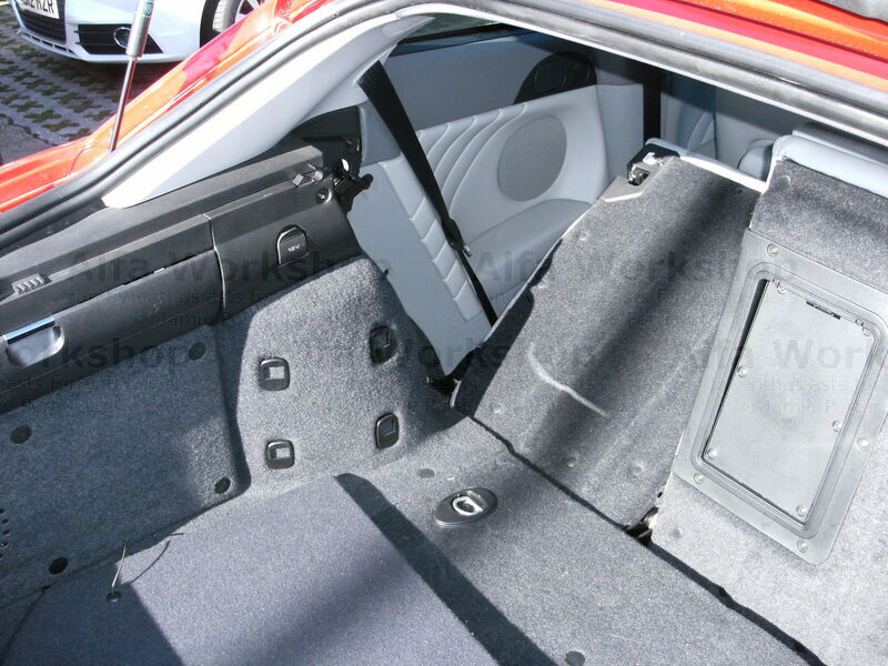 <p>First off we will do the &quot;cheats&quot; way, remove parcel shelf and fold rear seats flat.
