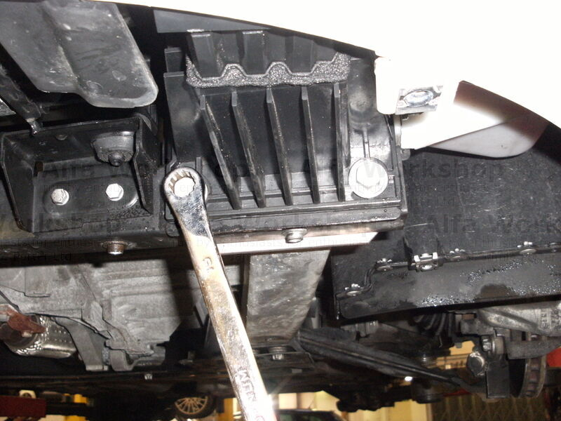 <p>Remove chassis strengthening bar, there are three bolts at the front.........