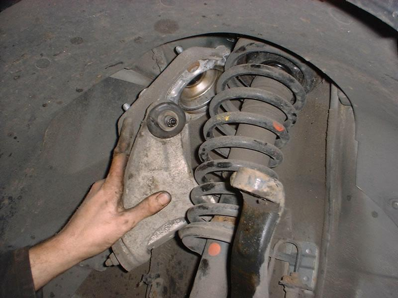 How To Change Upper Front Wishbone On An Alfa 147 156 Gt