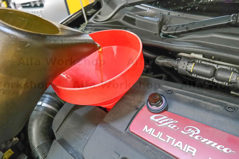 <p>Pour in the recommended engine oil and quantity then replace the filler cap. Mito Handbook, Giulietta Handbook