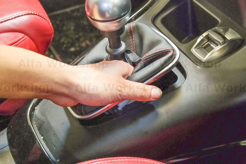Replacing The Stop & Start Sensor On A Giulietta (2010 Onwards)
